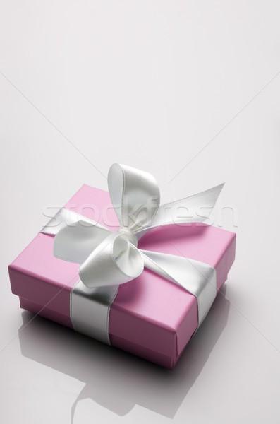 Luxus ajándék kicsi rózsaszín doboz fehér Stock fotó © pedrosala