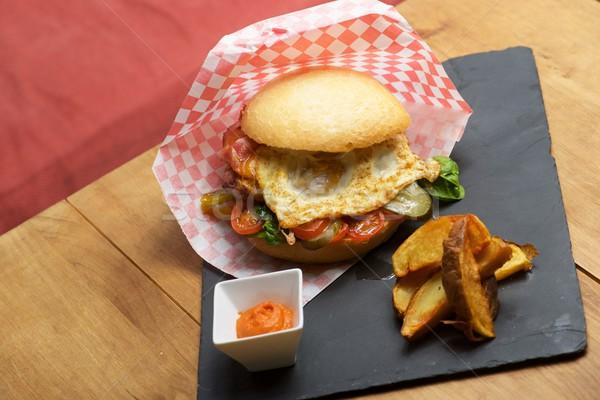 Sığır eti Burger sahanda yumurta cips sağlık tavuk Stok fotoğraf © pedrosala