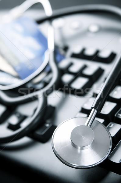 Online stetoskop karty kredytowe działalności Zdjęcia stock © pedrosala