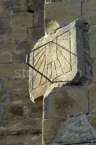 Zegar słoneczny starych kamień fasada strony ściany Zdjęcia stock © pedrosala
