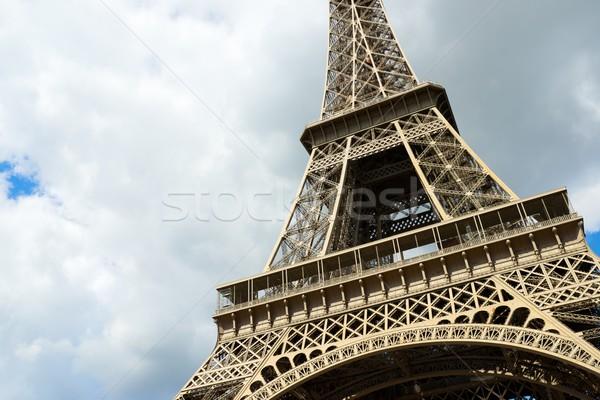 Eiffel-torony kilátás Párizs Franciaország égbolt épület Stock fotó © pedrosala