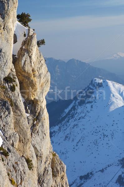 Szczyt dolinie ściany krajobraz górskich zimą Zdjęcia stock © pedrosala