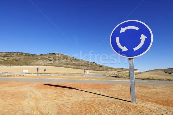 Rotonde signaal blauwe hemel stad straat Stockfoto © pedrosala
