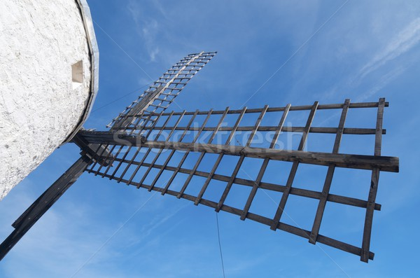 Tradizionale mulino a vento la legno blu farm Foto d'archivio © pedrosala