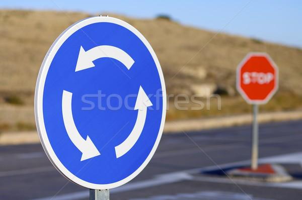 Rotonde signaal teken weg straat metaal Stockfoto © pedrosala