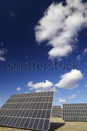 Energia solare gruppo pannelli solari produzione rinnovabile elettriche Foto d'archivio © pedrosala