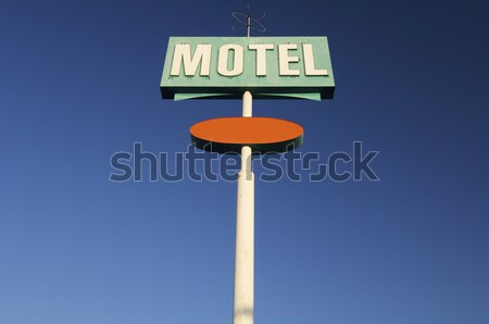 Motel poster groene heldere hemel oranje Blauw Stockfoto © pedrosala