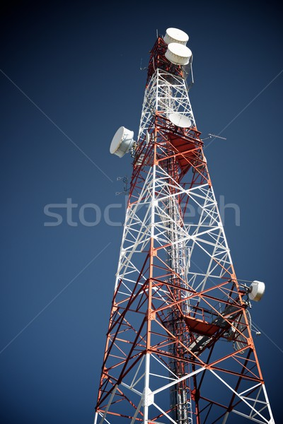 Telekommunikáció torony kék ég üzlet égbolt televízió Stock fotó © pedrosala