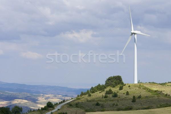 Egyedüli szélmalom domb technológia ipar farm Stock fotó © pedrosala