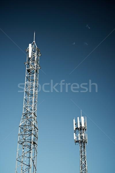 Telekommunikáció tornyok kék ég üzlet égbolt televízió Stock fotó © pedrosala