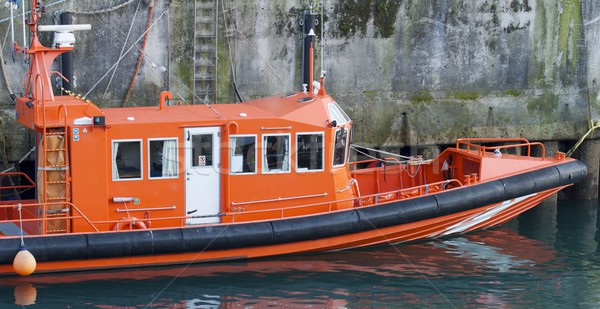 Resgatar barco porta água mar laranja Foto stock © pedrosala