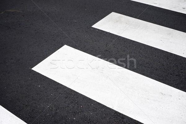 Zèbre route rue croix autoroute trafic Photo stock © pedrosala