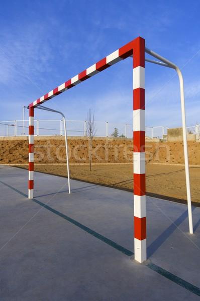 Obiettivo rosso bianco cielo blu cielo sport Foto d'archivio © pedrosala
