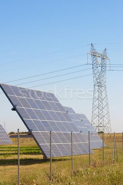 太陽エネルギー 太陽光発電 再生可能な 電気 生産 技術 ストックフォト © pedrosala