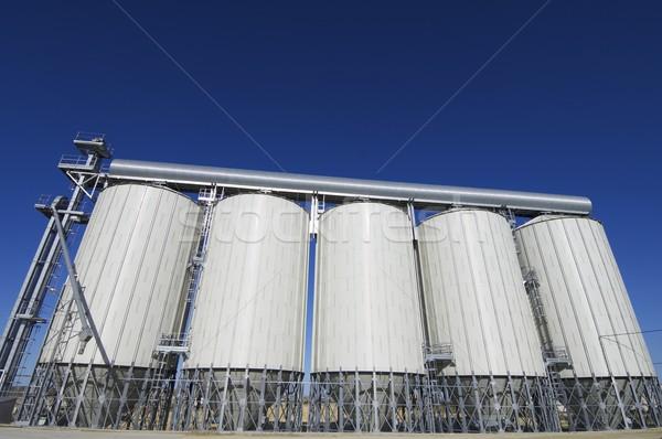 Graan moderne blauwe hemel bouw achtergrond Stockfoto © pedrosala