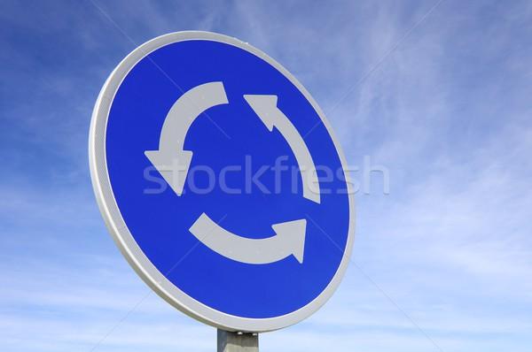 Rotonde signaal blauwe hemel straat Blauw verkeer Stockfoto © pedrosala