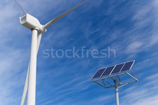 再生可能エネルギー 風車 太陽光発電 パネル エネルギー 生産 ストックフォト © pedrosala