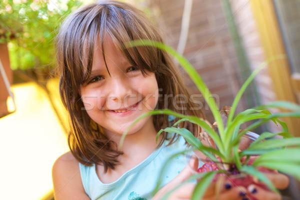 Little girl jardineiro menina sorrir diversão vida Foto stock © pedrosala