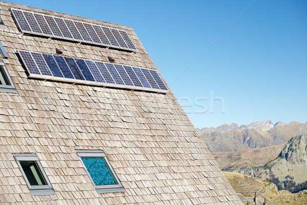 Stockfoto: Zonne-energie · fotovoltaïsche · dak · hut · vallei · park