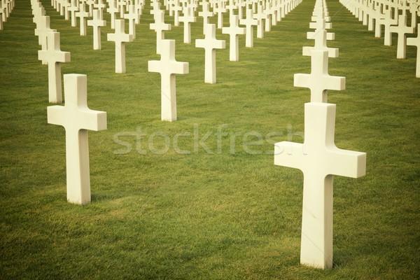 Cementerio blanco cruces americano playa normandía Foto stock © pedrosala