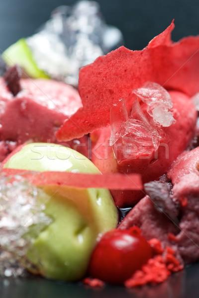 Fraise pistache crème glacée cerises noir bol Photo stock © pedrosala