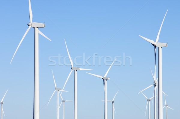 Groupe électricité production ciel bleu technologie vert Photo stock © pedrosala