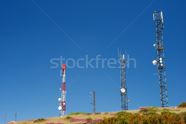 Télécommunications ciel bleu ciel télévision construction Photo stock © pedrosala