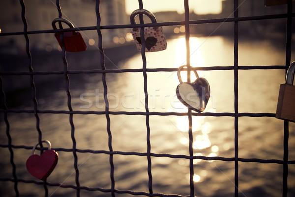 Liefde hangslot brug metaal Stockfoto © pedrosala