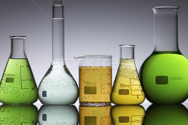Laboratoire groupe cinquième verre médecine industrie Photo stock © pedrosala