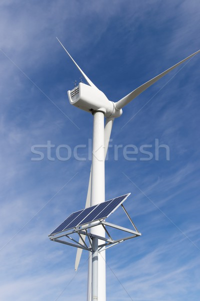 Hernieuwbare energie windmolen fotovoltaïsche paneel energie productie Stockfoto © pedrosala