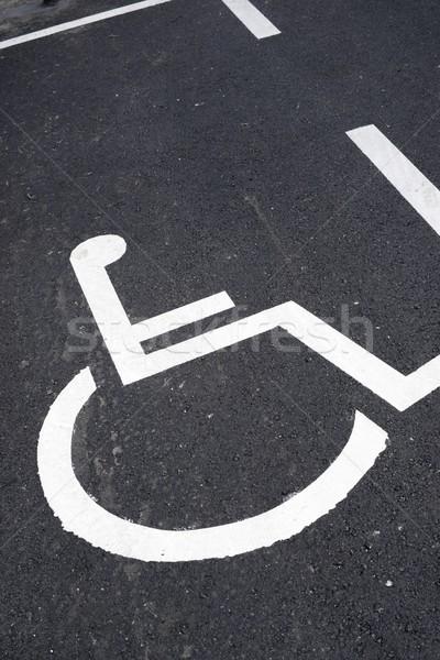 Parkolás hely mozgássérült emberek út háttér Stock fotó © pedrosala