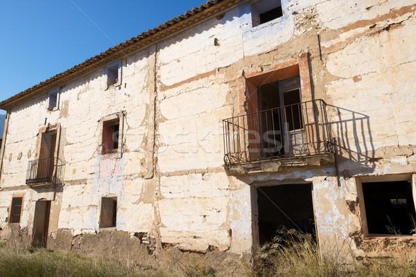 Stock fotó: Elhagyatott · vidéki · épület · égbolt · otthon · ablak