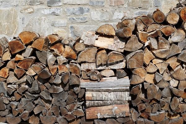 Yakacak odun grup kesmek inşaat duvar arka plan Stok fotoğraf © pedrosala