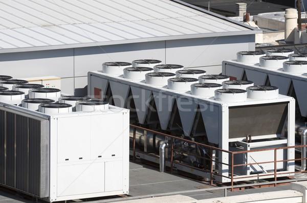 Climatisation vue toit bâtiment équipement Photo stock © pedrosala