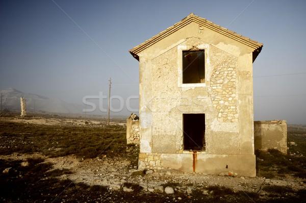 Elhagyatott ház vidék köd épület fal Stock fotó © pedrosala
