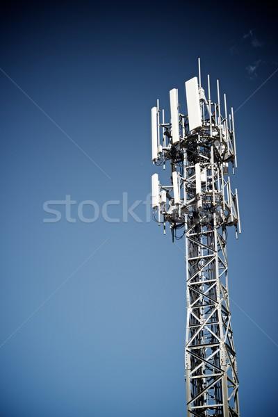 Télécommunications tour ciel bleu affaires ciel télévision Photo stock © pedrosala