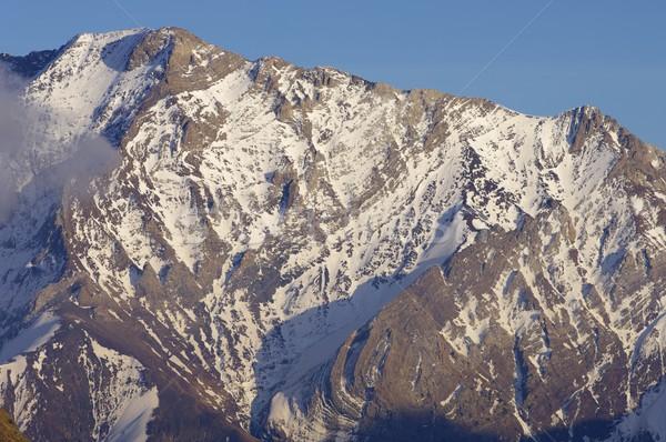 Szczyt góry wygaśnięcia krajobraz śniegu górskich Zdjęcia stock © pedrosala