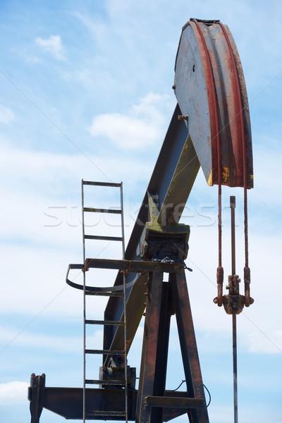 Puits de pétrole la ciel travaux industrie énergie Photo stock © pedrosala