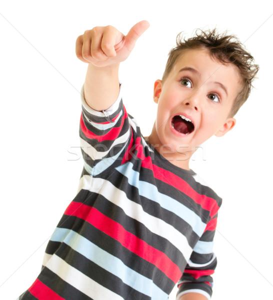 Foto stock: Pequeno · menino · polegar · para · cima · gesto · isolado
