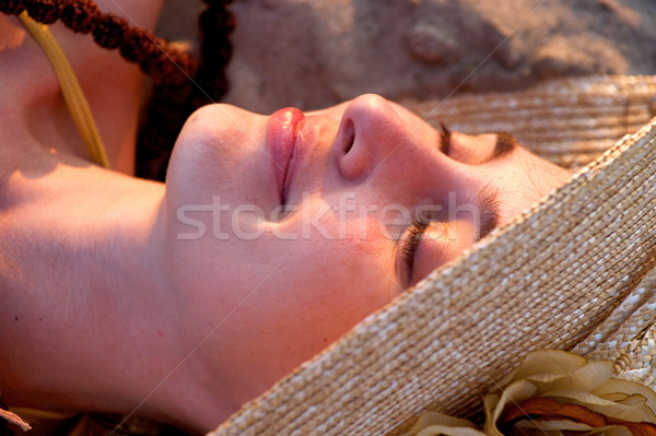 Kadın şapka plaj portre yüz dinlenmek Stok fotoğraf © pekour