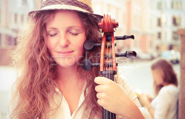Portre sokak müzisyen kadın viyolonsel Stok fotoğraf © pekour