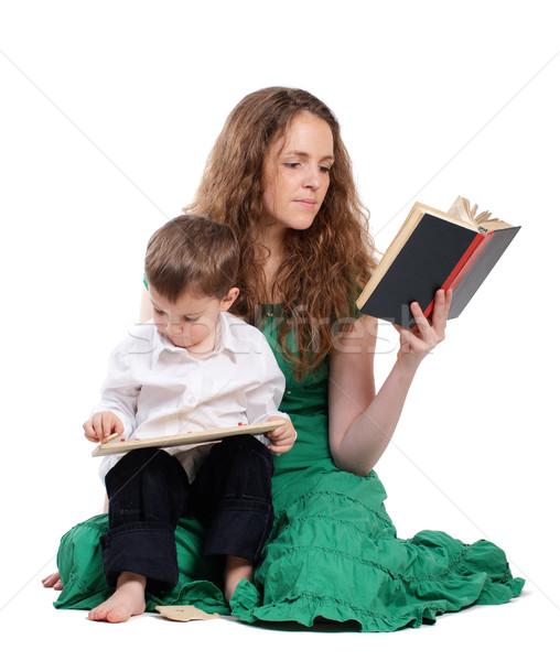 Anne oğul okumak kitap oynamak yalıtılmış Stok fotoğraf © pekour