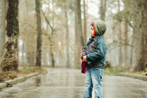 Erkek gitar yağmurlu park küçük müzik Stok fotoğraf © pekour