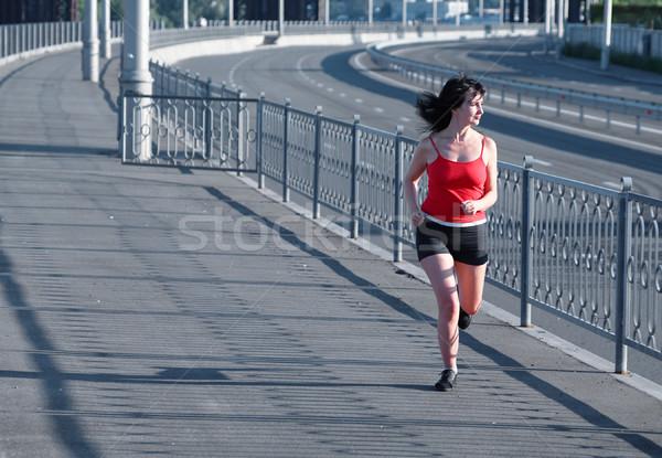 Photo stock: Femme · jogging · vide · autoroute · industrielle · ville