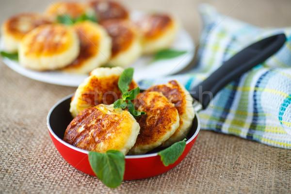 Sült sajt serpenyő asztal étel háttér Stock fotó © Peredniankina
