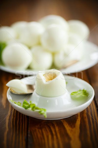 Főtt tojás tányér kanál csészealj tojások reggeli Stock fotó © Peredniankina