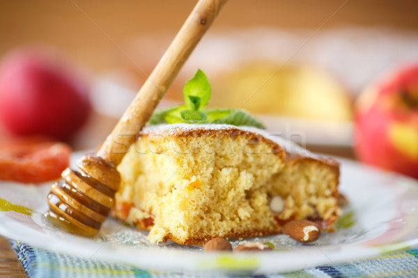 Piskóta aszalt mandulák gyümölcs kenyér reggeli Stock fotó © Peredniankina