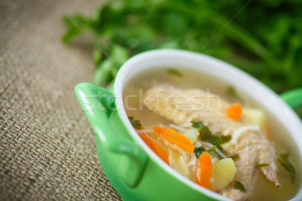 Brodo di pollo ciotola verde mangiare ali Foto d'archivio © Peredniankina