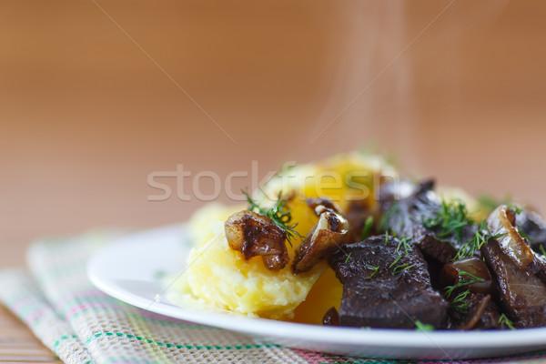 печень жареный картофель пластина зеленый Сток-фото © Peredniankina