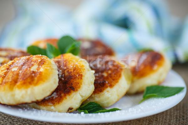 Frito queijo prato açúcar de confeiteiro comida fundo Foto stock © Peredniankina
